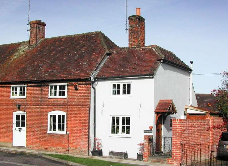 3 Bedrooms House for sale in Farnham Road, Odiham