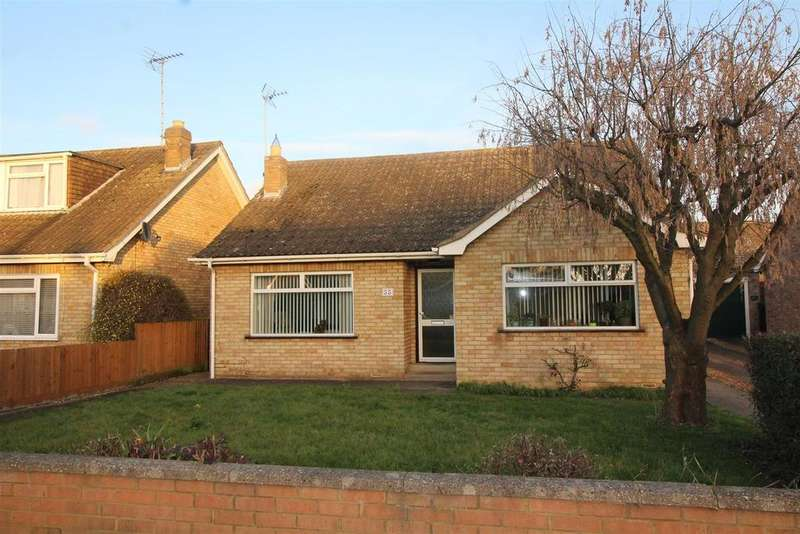 3 Bedrooms Detached Bungalow for sale in Lea Gardens, Thorpe Lea Road, Peterborough