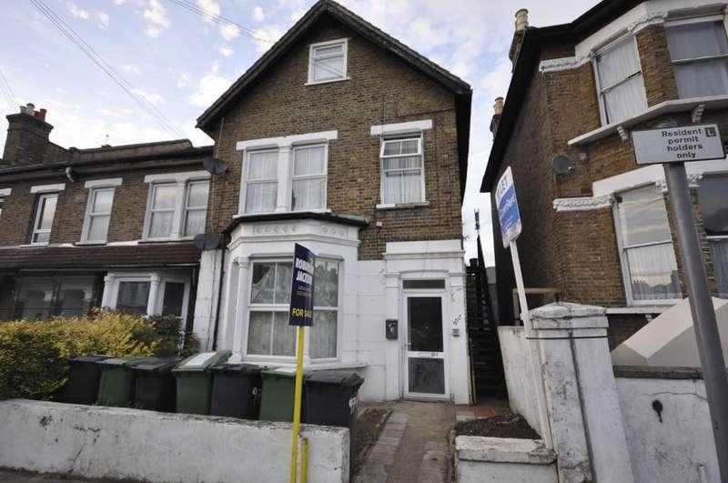 3 Bedrooms Flat for sale in George Lane, Lewisham