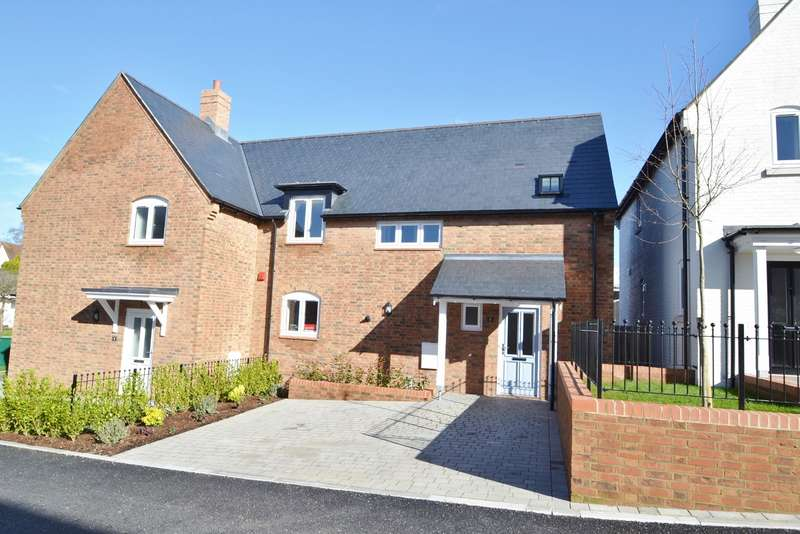 3 Bedrooms Semi Detached House for sale in Lytchett Matravers