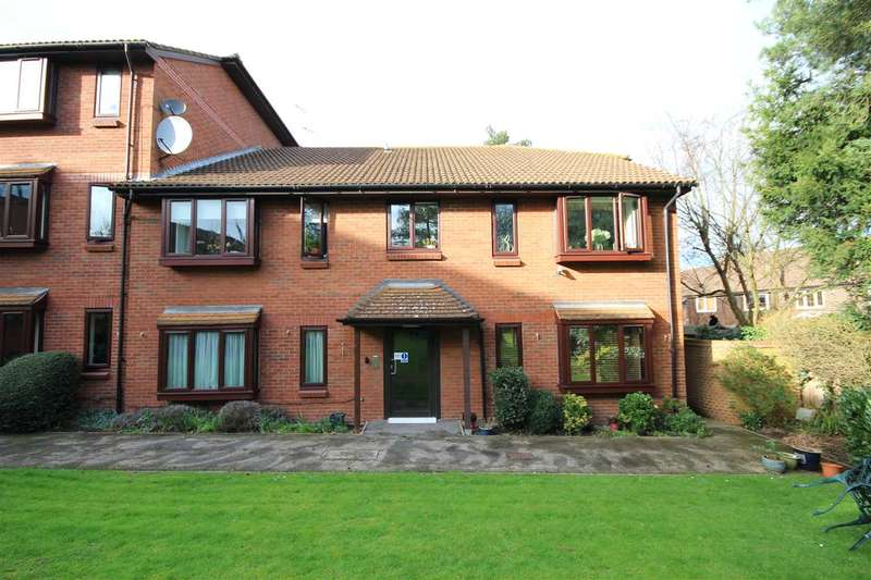 2 Bedrooms Retirement Property for sale in Meadowcroft, Bushey, WD23.