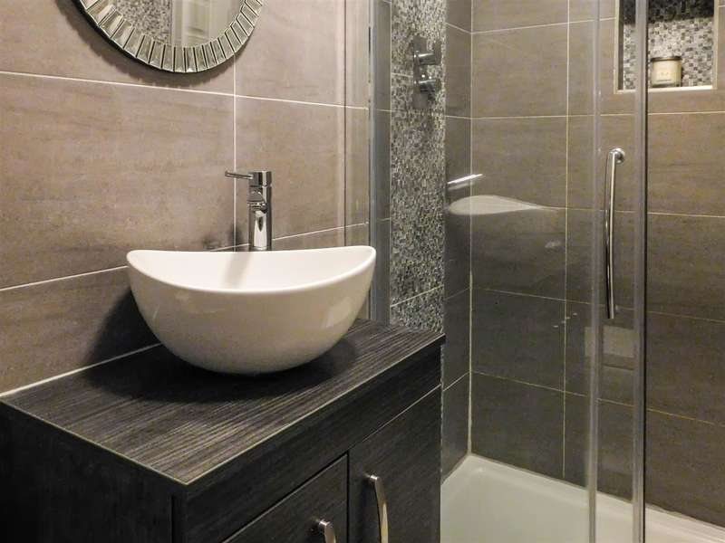 2 Bedrooms Apartment Flat for sale in Oh wow! Look at the amazing En-suite!