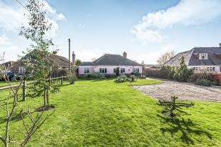 2 Bedrooms Bungalow for sale in Laughton Road, Ringmer, Lewes, East Sussex