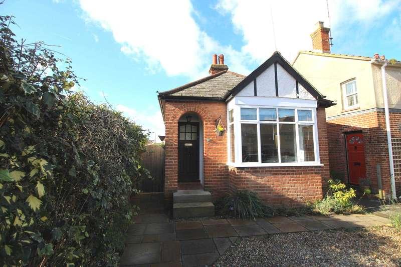 2 Bedrooms Detached Bungalow for sale in Fambridge Road, Maldon