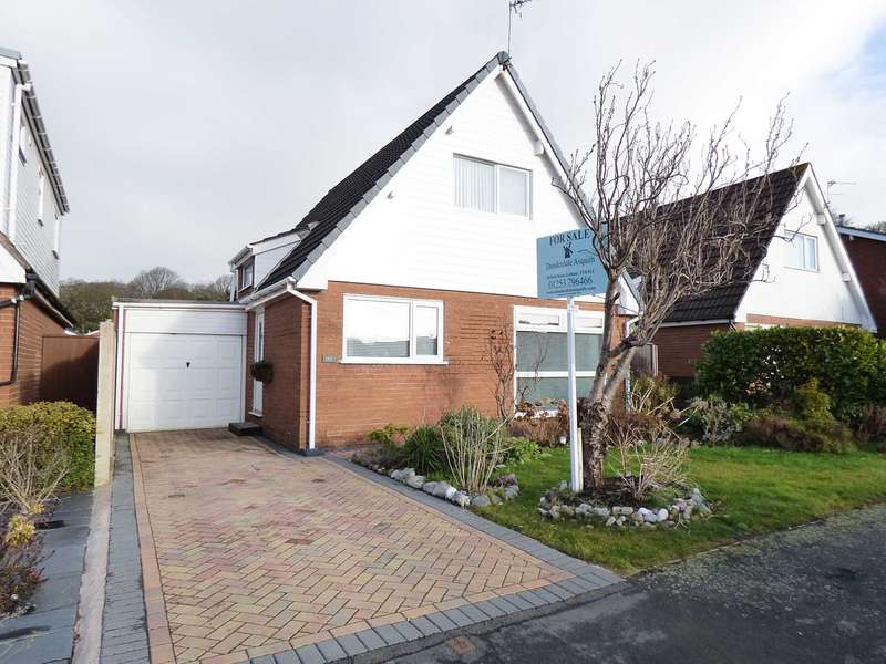 3 Bedrooms Detached House for sale in Forest Drive, Lytham