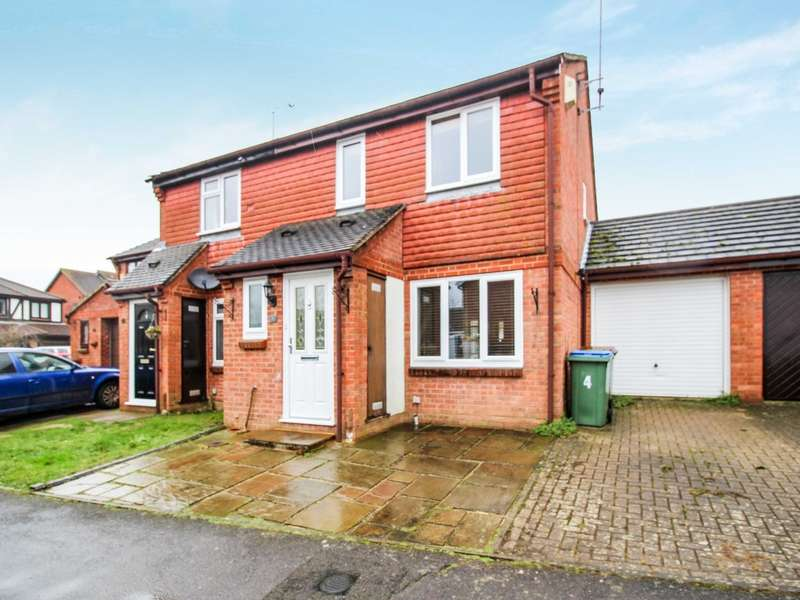 3 Bedrooms Semi Detached House for sale in Pevensey Road, Southwater