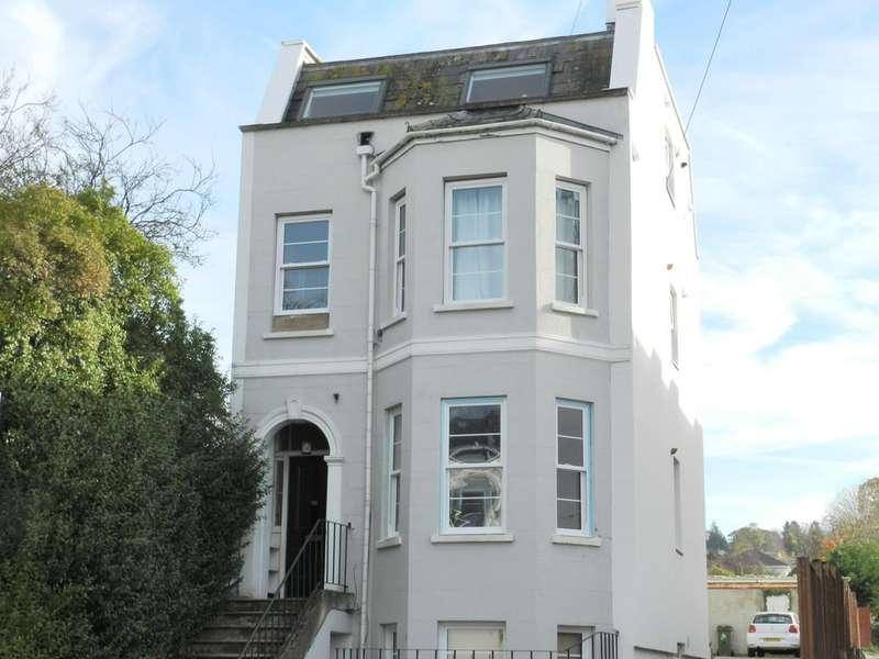 1 Bedroom Flat for sale in Hales Road, Cheltenham GL52