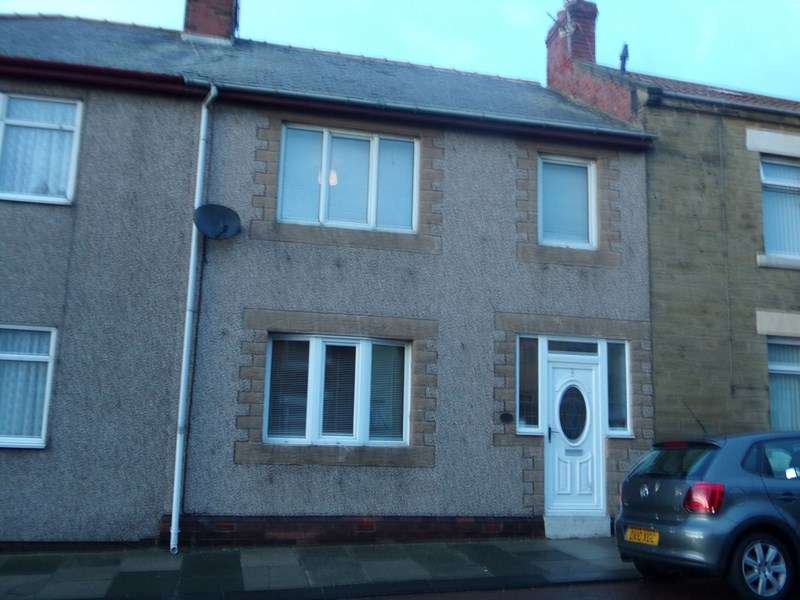 3 Bedrooms Property for sale in High Street, Newbiggin-by-the-Sea, Northumberland, NE64 6AT
