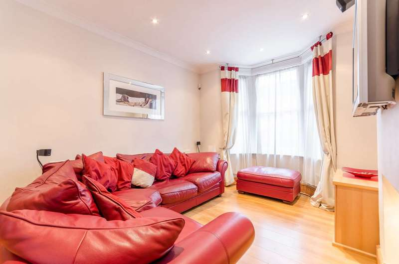 3 Bedrooms Terraced House for sale in Melbourne Road, Leyton, E10