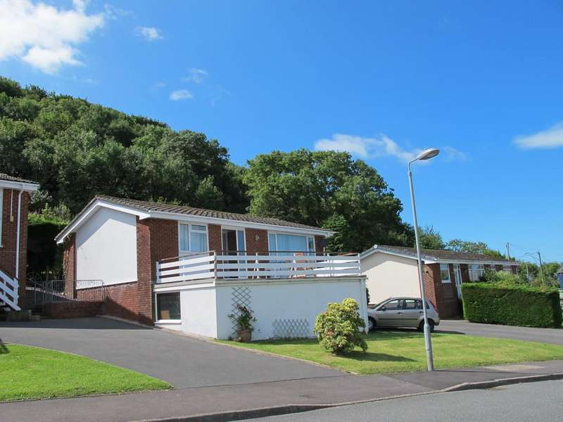 2 Bedrooms Detached Bungalow for sale in New Quay