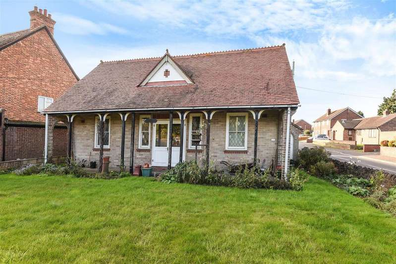 2 Bedrooms Detached Bungalow for sale in Oxford Road, Abingdon