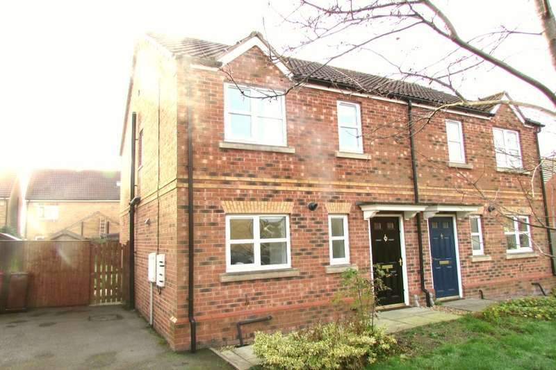 3 Bedrooms Semi Detached House for sale in Dean Road, Scunthorpe, DN17
