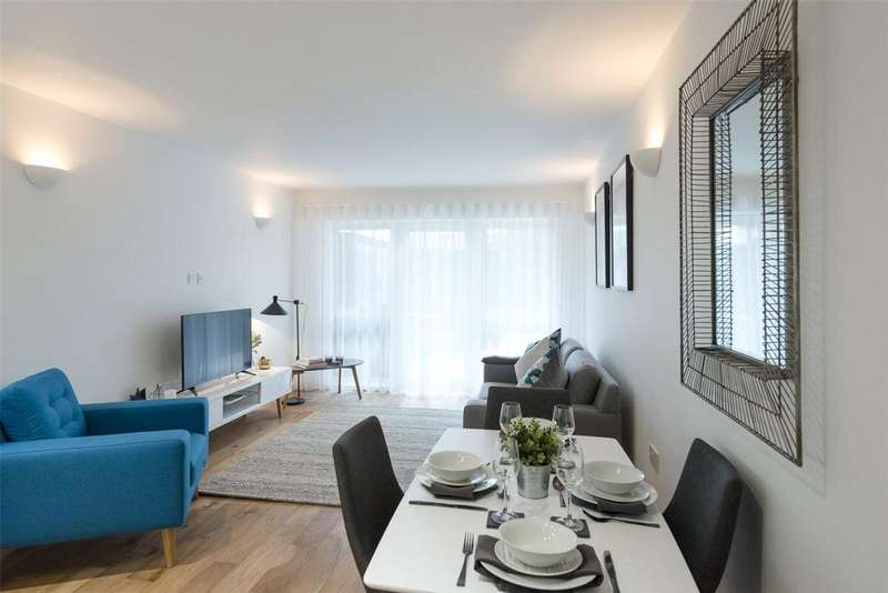 1 Bedroom Flat for sale in Dolphin House, Windmill Road, Sunbury-On-Thames, Middlesex, TW16