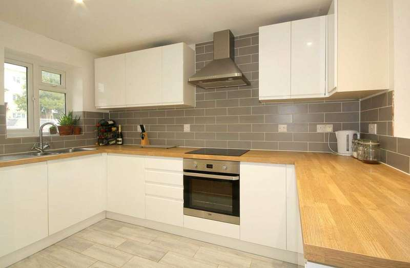 2 Bedrooms House for sale in 2 DOUBLE BED - DOWNSTAIRS CLOAK ROOM - PARKING in HP1.