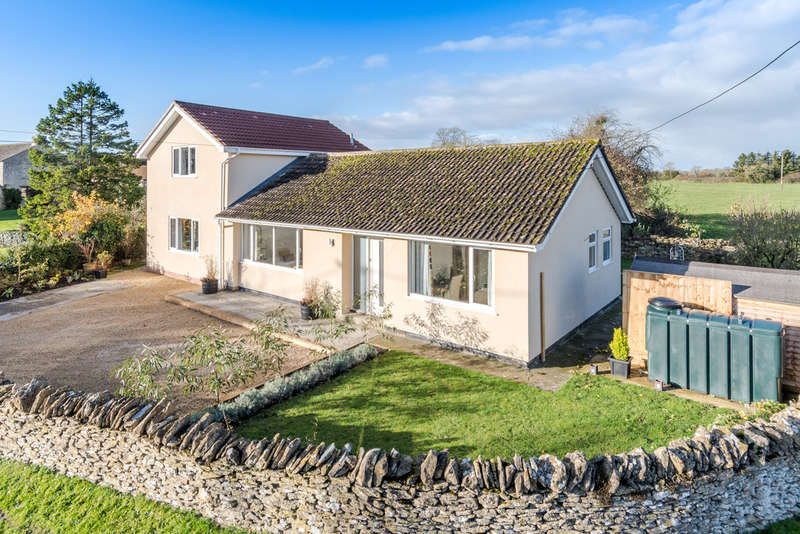 3 Bedrooms Detached House for sale in Sopworth Road, Luckington