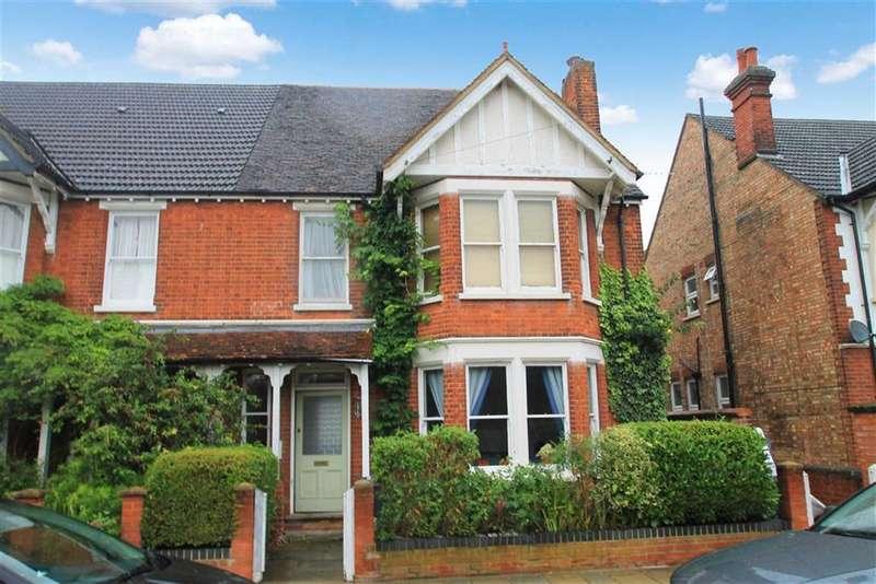 1 Bedroom Flat for sale in Beverley Crescent, Bedford