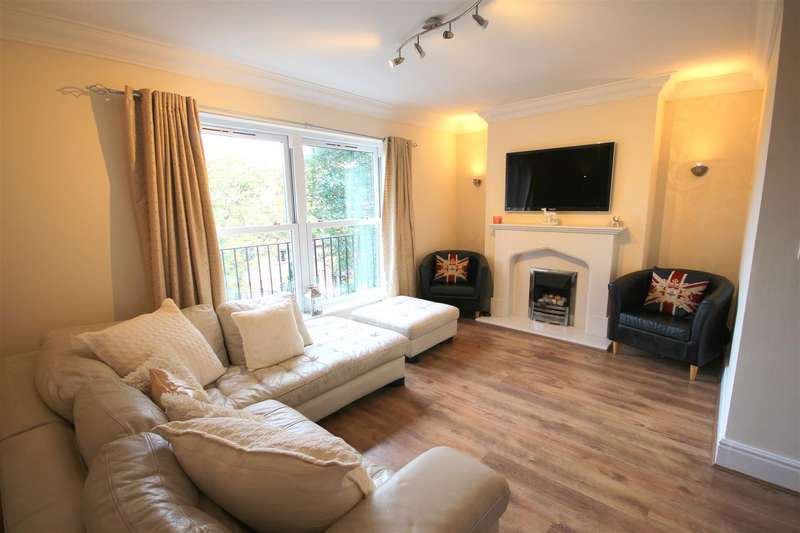 3 Bedrooms Town House for sale in Victoria Mews, Whickham, Newcastle Upon Tyne