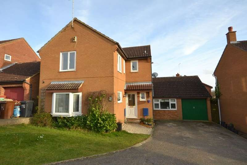 4 Bedrooms Detached House for sale in Aviemore Gardens, West Hunsbury, Northampton, NN4