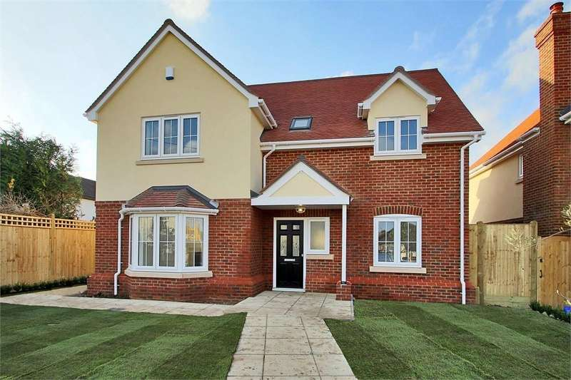4 Bedrooms Detached House for sale in The Turner, St James Lane, Horns Cross, Greenhithe