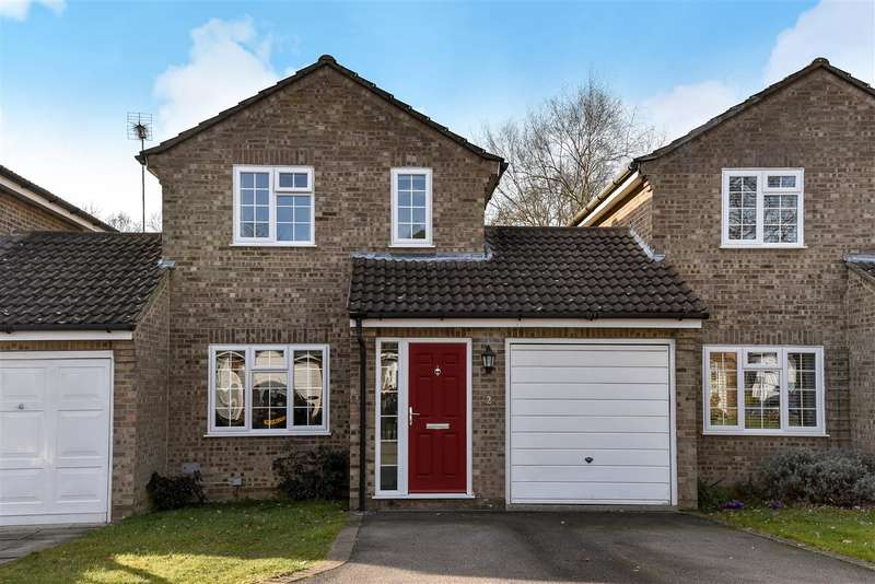 3 Bedrooms Link Detached House for sale in Rother Close, Sandhurst