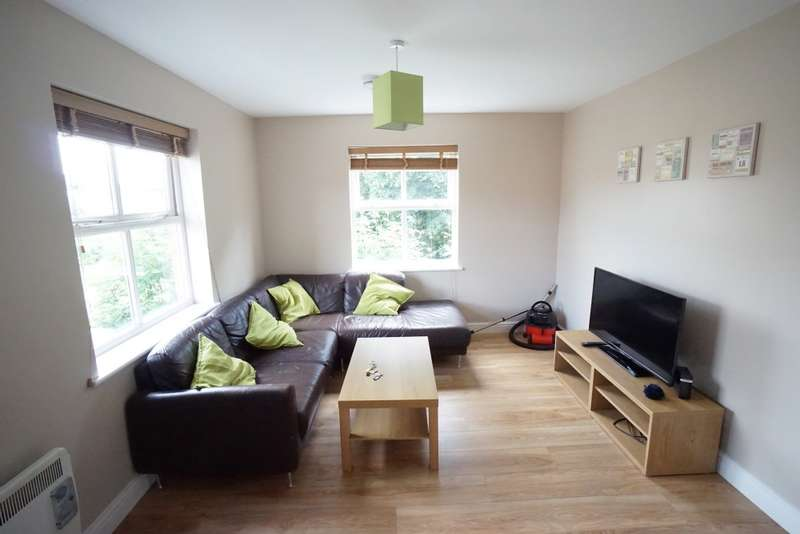 4 Bedrooms Flat for rent in Jellicoe Avenue, Stapleton, Bristol