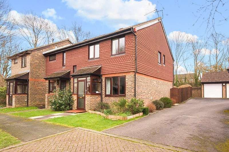 3 Bedrooms End Of Terrace House for sale in Wildcroft Drive, North Holmwood, Dorking