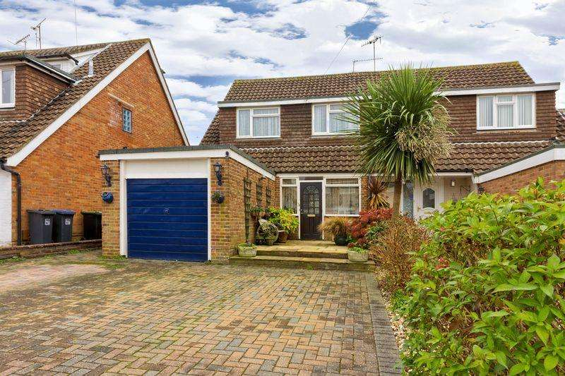 4 Bedrooms Semi Detached House for sale in Humber Close, Worthing