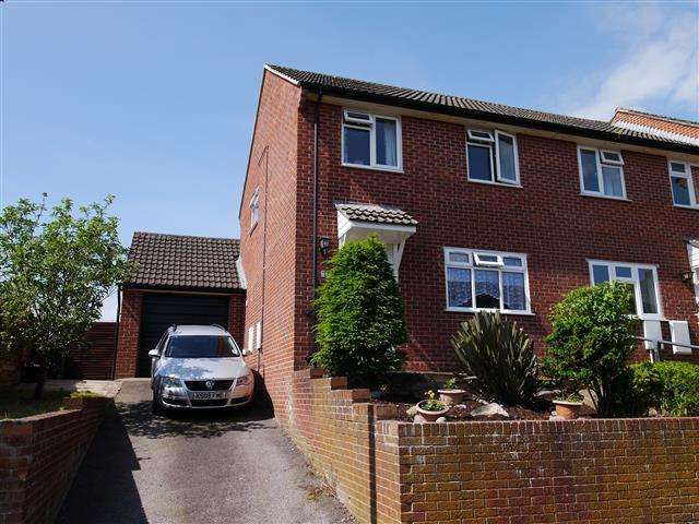 3 Bedrooms Terraced House for sale in Buckwell, Wellington TA21