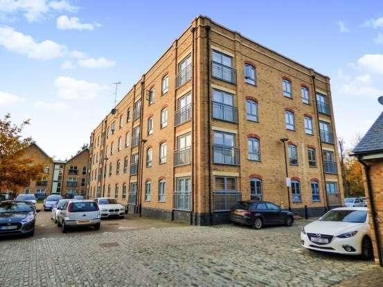 2 Bedrooms Apartment Flat for sale in Esparto Way, Dartford, Kent, DA4 9FF