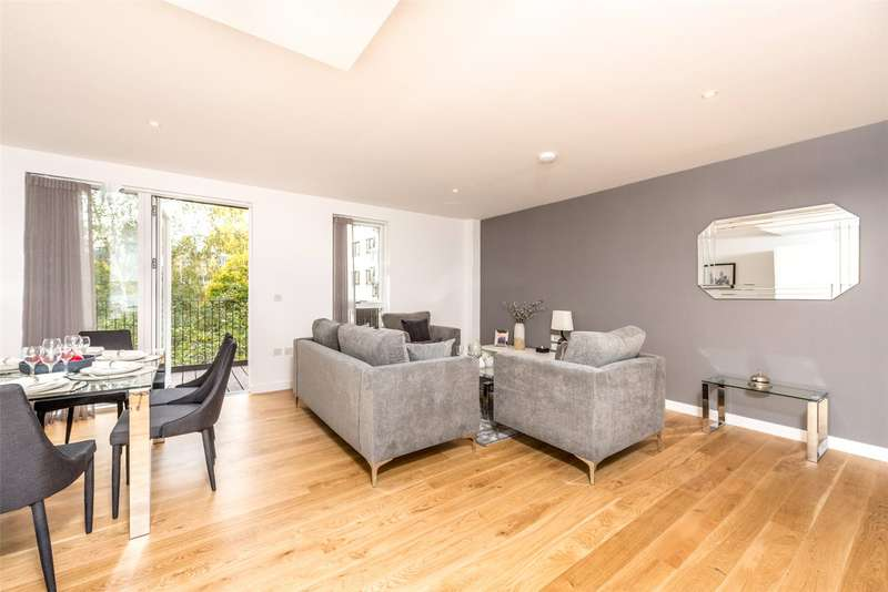 3 Bedrooms Apartment Flat for sale in Hand Axe Yard, 377A Gray's Inn Road, Kings Cross, London, WC1X