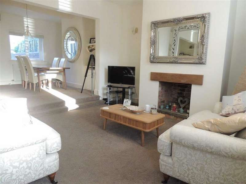2 Bedrooms Terraced House for sale in High Street, Hyde