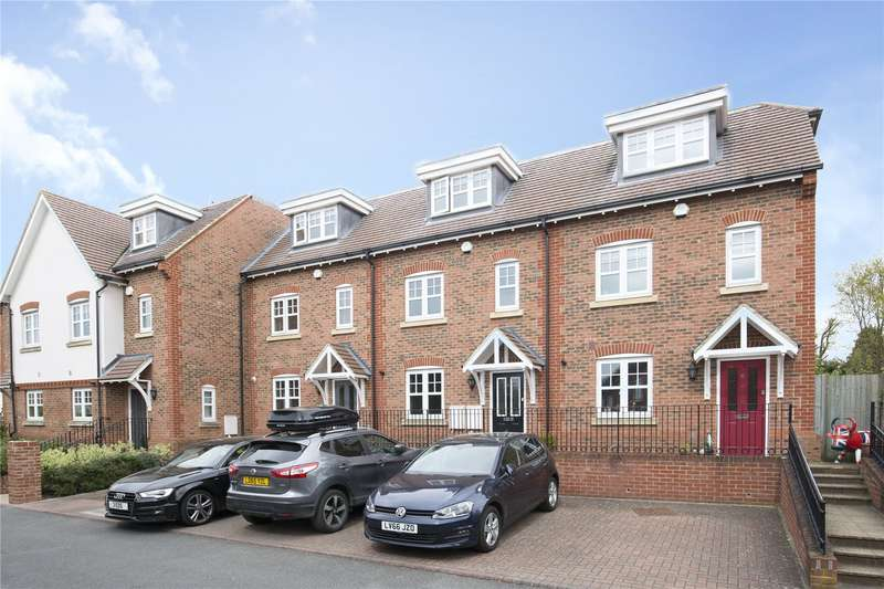 4 Bedrooms Terraced House for sale in Rythe Close, Claygate, Surrey, KT10