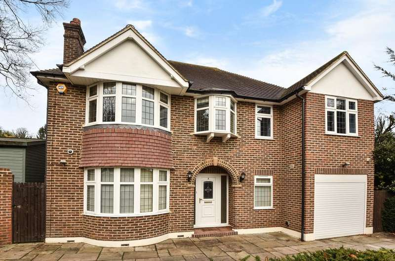 5 Bedrooms Detached House for sale in St. Aubyns Close Orpington BR6
