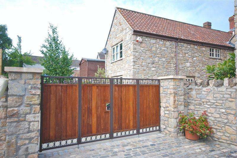 2 Bedrooms Semi Detached House for rent in Church Street, Wedmore