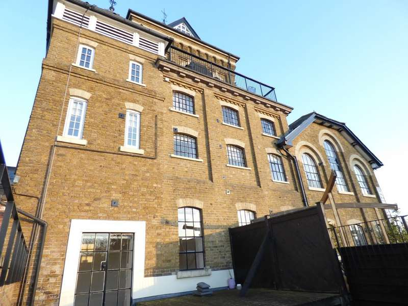 2 Bedrooms Apartment Flat for rent in The Mill Apartments, East Street CO1