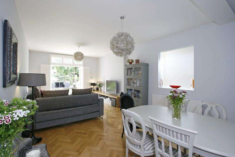 3 Bedrooms Flat for sale in Louisville Road, London SW17