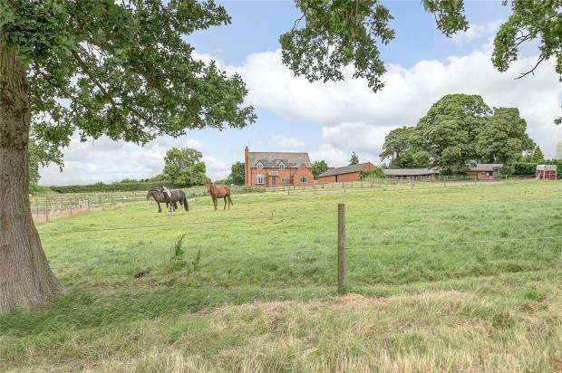 4 Bedrooms Detached House for sale in Manorfields Farm, Great Lyth, Shrewsbury, Shropshire