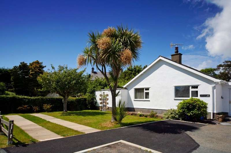 3 Bedrooms Semi Detached Bungalow for sale in Llanbedrog