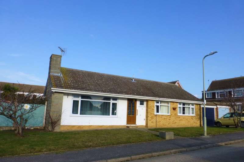 3 Bedrooms Detached Bungalow for sale in Caroline Close, Whitstable, CT5