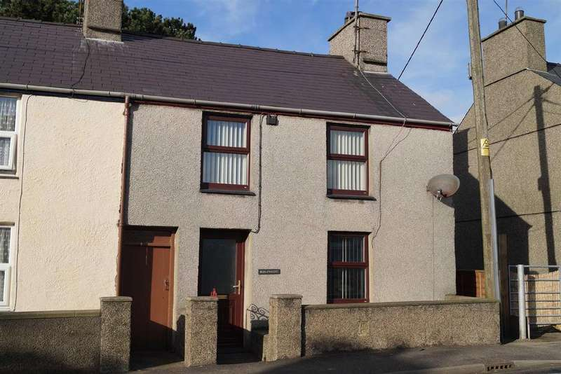 2 Bedrooms Terraced House for rent in Y Ffor, Pwllheli