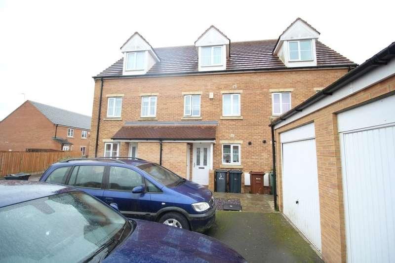 3 Bedrooms Terraced House for sale in St. Mathew Way, Leeds, LS14