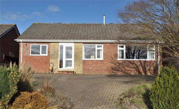 3 Bedrooms Detached Bungalow for sale in Mallocks Close, Tipton St. John, Sidmouth, Devon