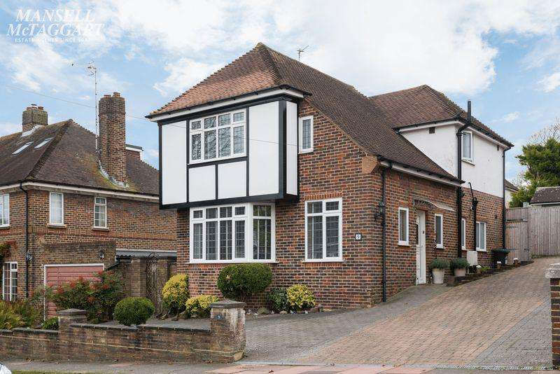 4 Bedrooms Detached House for sale in Overhill Drive, Patcham, Brighton,