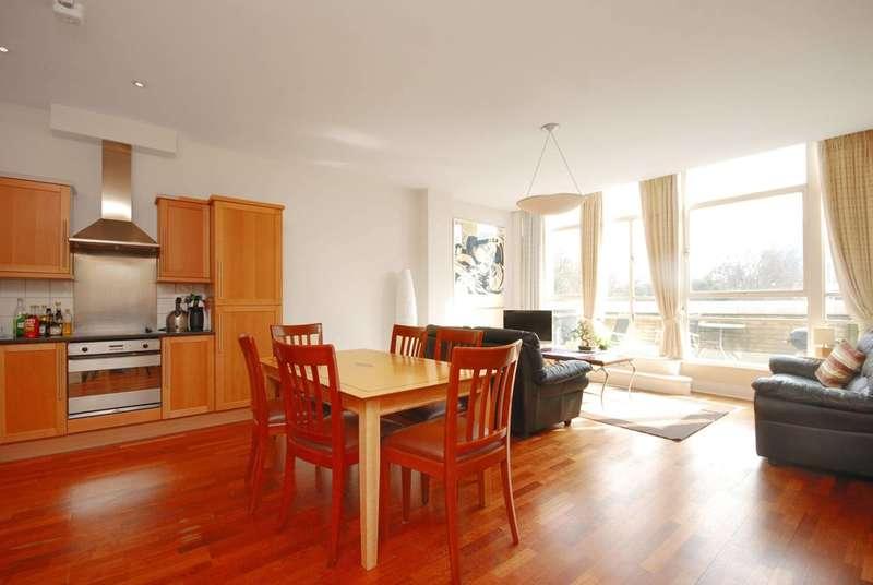 3 Bedrooms Flat for rent in Bunhill Row, Old Street, EC1Y