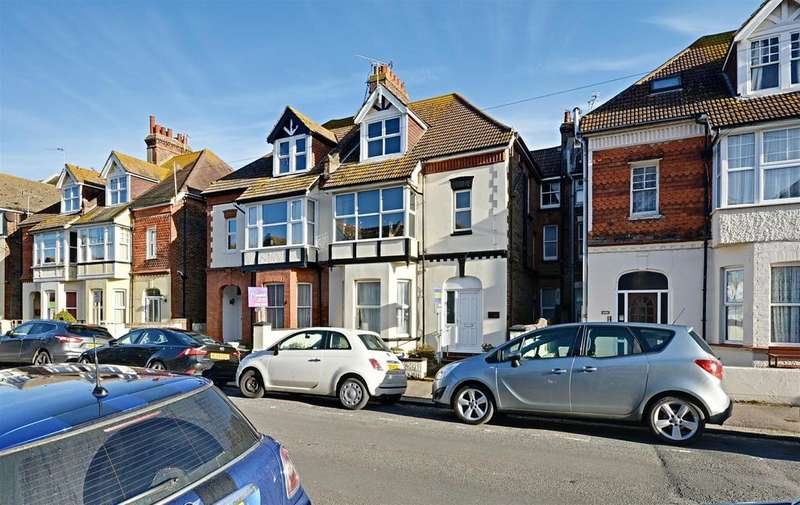3 Bedrooms Flat for sale in Albany Road, Bexhill-On-Sea