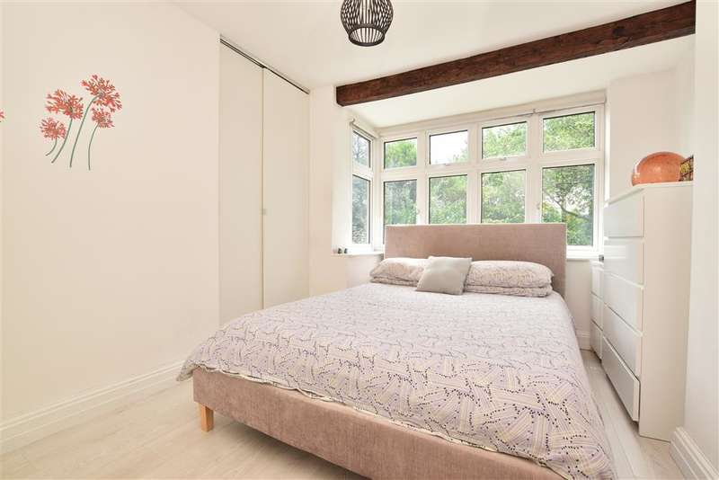 2 Bedrooms Terraced House for sale in Tushmore Crescent, , Northgate, Crawley, West Sussex