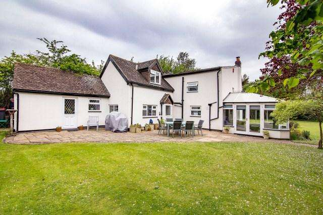 4 Bedrooms Detached House for sale in Coleshill Road, Curdworth, Sutton Coldfield