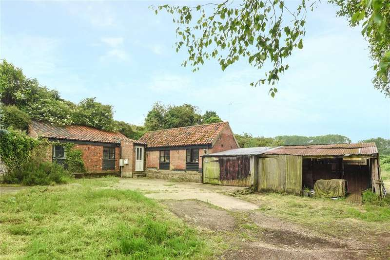 2 Bedrooms Barn Conversion Character Property for sale in Mill Common, Ashby St. Mary, Norfolk, NR14