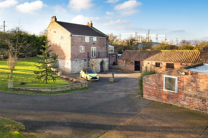 4 Bedrooms Equestrian Facility Character Property for sale in New Bridge Farm, East Cowick, DN14