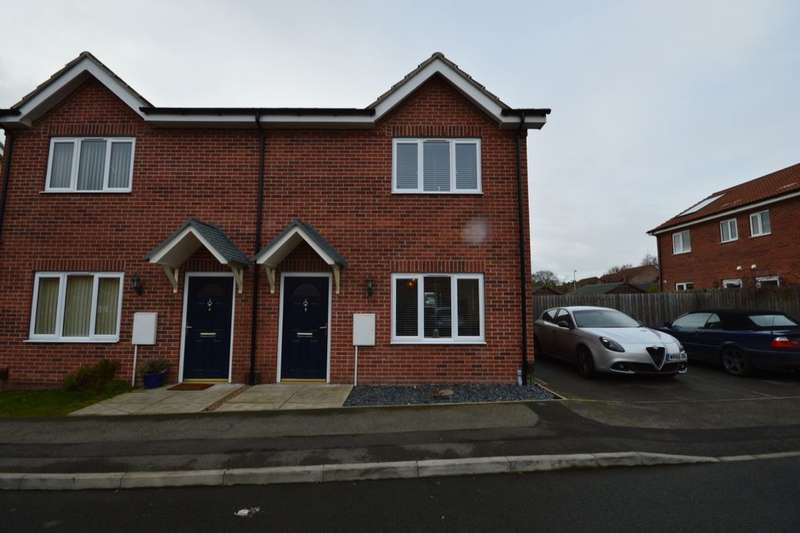 2 Bedrooms Semi Detached House for sale in Wolds View, North Hykeham, Lincoln, LN6